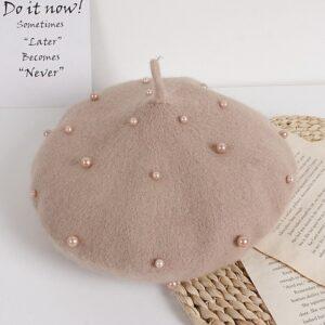 Béret enfant en laine avec des perles